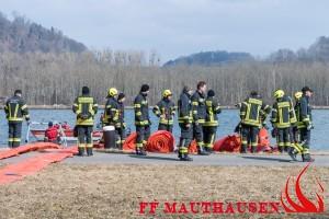Ölverschmutzung auf der Donau